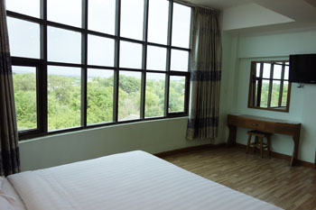 chambre deluxe chindwin hotel monywa myanmar