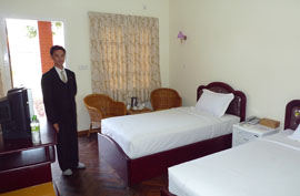 hotel royal reward resort pwin oo lwin standard room