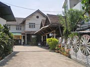 sam yweat guest house kentung birmanie